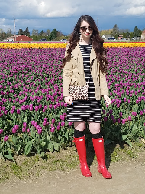 3 ways to style red Hunter rain boots in Spring