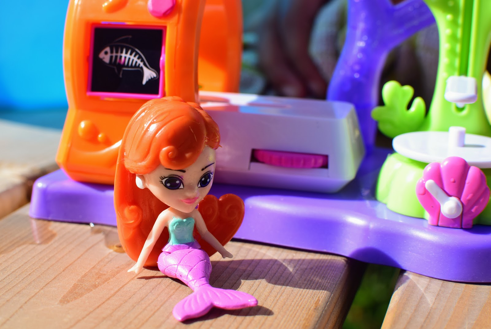 , Splashlings Medical Clinic Play Set and Mermaid and Friends Set Review and Competition