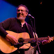 David Bromberg resurfaces after two decades to sound better than ever, now has new album