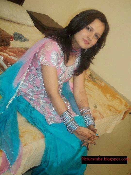 Lovely Lahore College Girls Hot Cute Photos - Beautiful -1575