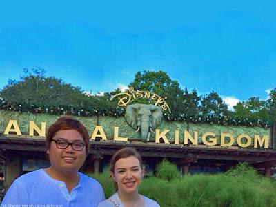 Lustige Urlaubs Bilder - Liebes Paar geht in den Zoo