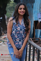 Nithya Ram Pos in Skinny Jeans at SUN TV Nandini Serial Press Meet .COM 0008.jpg