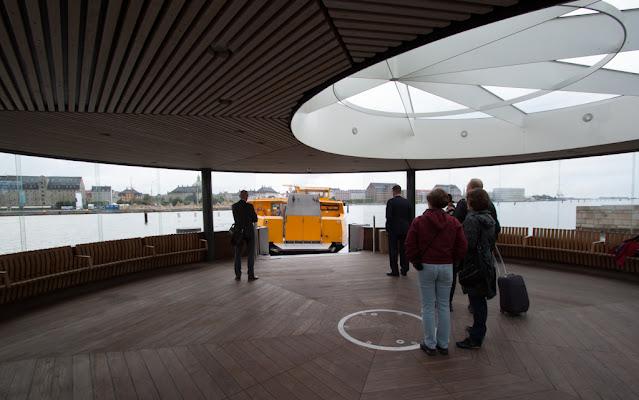 Fermata del ferry al Teatro dell'Opera-Copenhagen