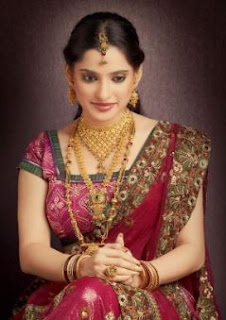 Priya Bapat Family Husband Son Daughter Father Mother Marriage Photos Biography Profile.