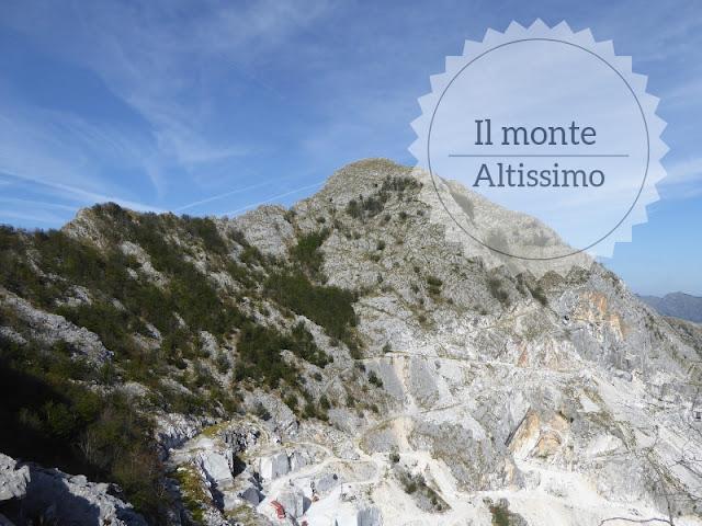 Escursione al Monte Altissimo dal Colle del Cipollaio. la vetta del Monte Altissimo