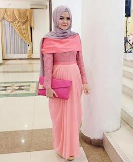 Model baju pesta muslim modis namun sederhana