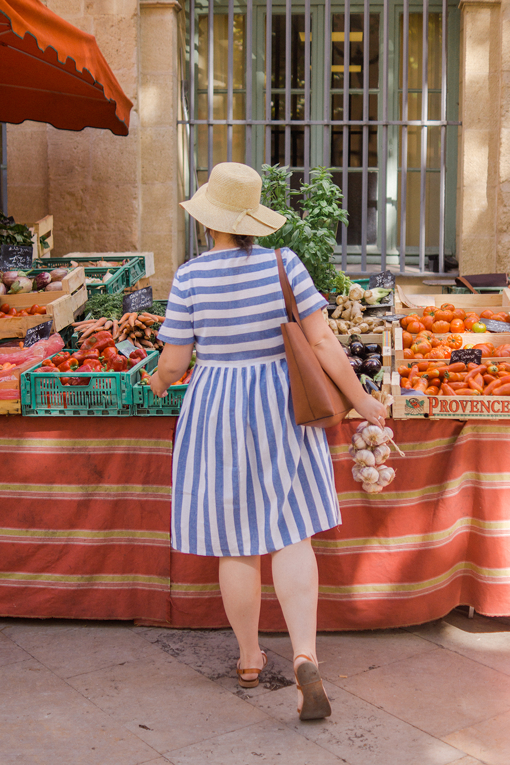 Barely-There-Beauty-blog-aix-en-provence-market-ootd