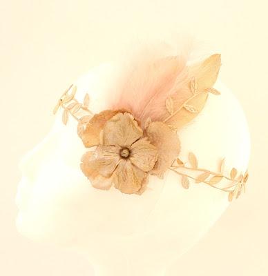 OI 1718 - Coleccion Dorada 2 Banda flor pluma
