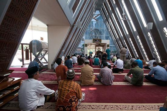 desain masjid kontemporer ridwan kamil