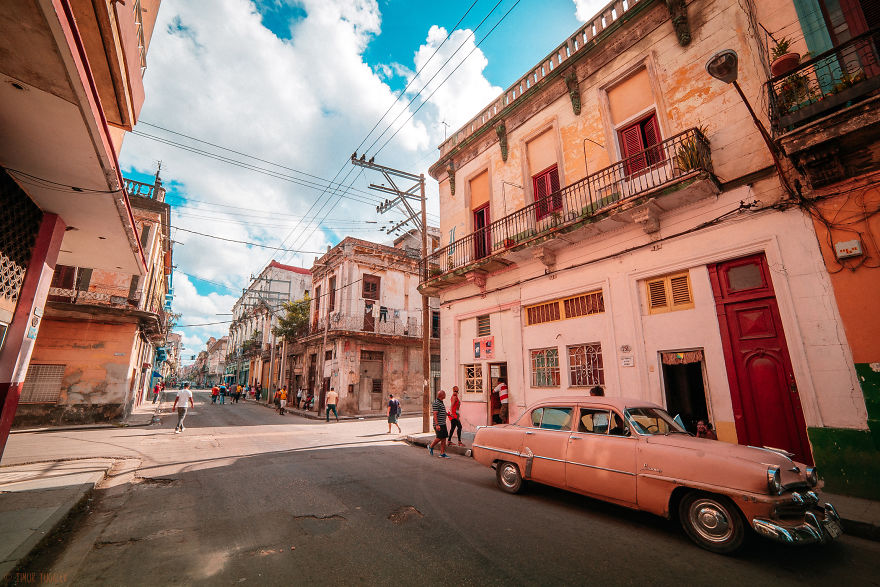 Η καθημερινή ζωή των κατοίκων της Κούβας μέσα από φωτογραφίες_omorfos-kosmos.gr