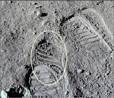 hoax moon landing footprint - photo #2