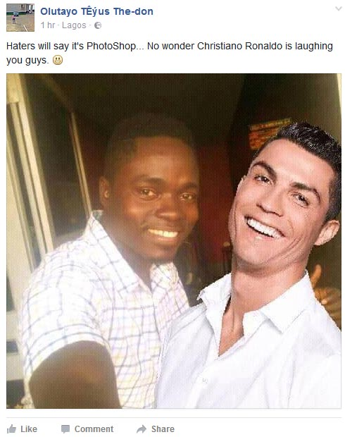 Naija guy poses with Real Madrid star Cristiano Ronaldo