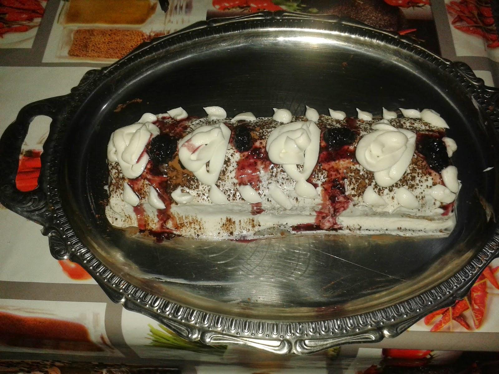 böğürtlenli rulo kek