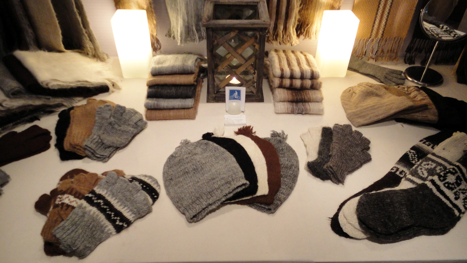... Bufandas hechas en telar de lana rústica 1fe26989228