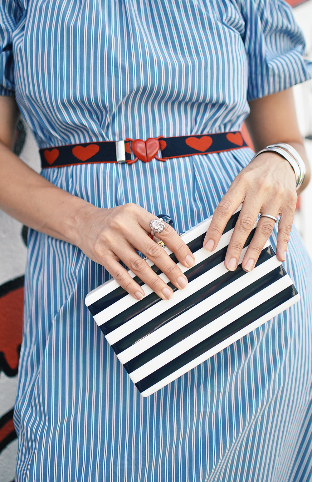Striped bag street style
