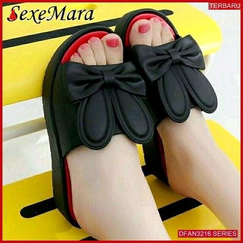 DFAN3216S44 Sepatu Am 05 Wedges Wanita Kelinci Wedges BMGShop