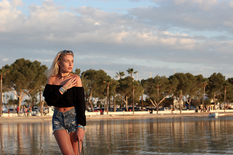 ootd-Mallorca-Sun-Summer-Beach-Sundowner-Asos-Levis-Outfit-Style-Streetstyle-Travel-Tipps-Munich-Modeblog-Modeblogger-Fashionblog-Lauralamode