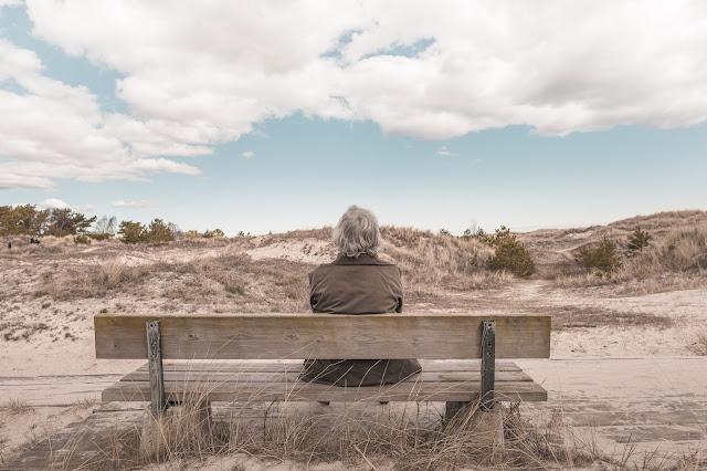jak sobie radzić w opiece nad osobą starszą?
