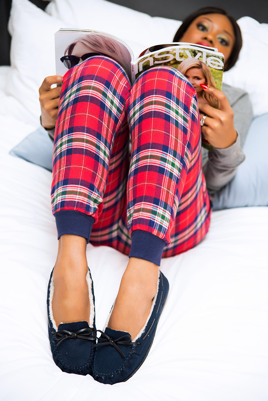 Christmas lounging in pajamas, www.jadore-fashion.com