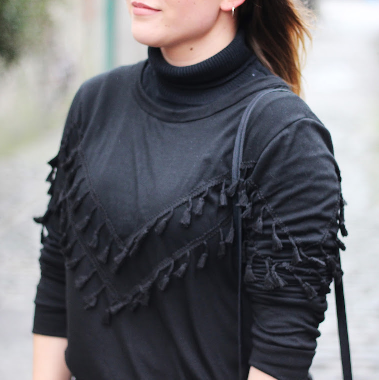 Irish Fashion Blog, fashion, Irish fashion blogger, Lily Joyce, Latest Lil, Irish blogger, Sheinside black tassel sweater, all black outfit, street style dublin, irish street style, Black loafters style, asos pointed loafers,