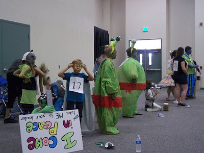 The alien costume contest