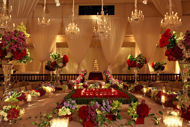 Wedding receptions to die for belle the magazine for Wedding hall decoration items