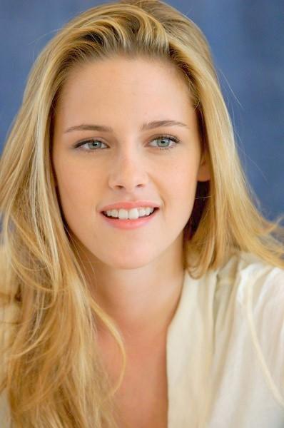 kristen stewart blonde hair hollywood 39 s most beautiful beauties. Black Bedroom Furniture Sets. Home Design Ideas