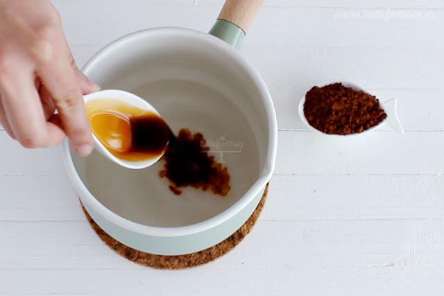 Cómo hacer almíbar de vainilla