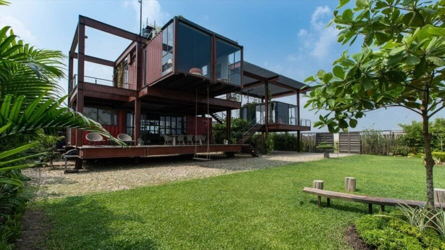 11-Garden-Architecture-with-Recycled-Shipping-Containers-www-designstack-co