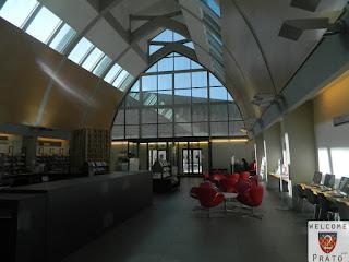 Immagine interno Biblioteca Lazzerini