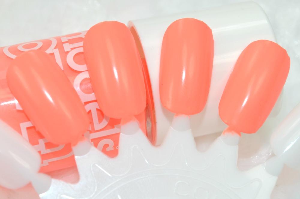 Swatches of the Beach Bag nail polish
