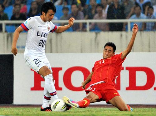 Vũ Minh Tuấn thi đấu cho đội tuyển Than Quảng Ninh