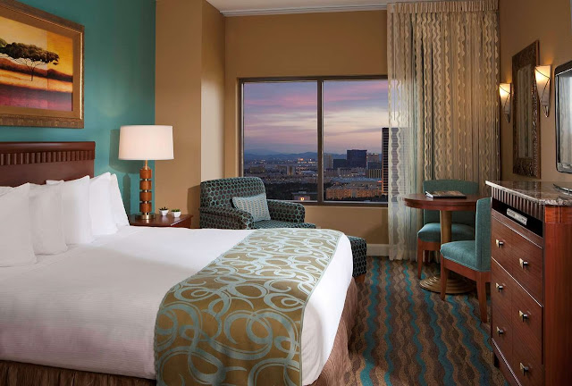 The Hilton Grand Vacations on the Boulevard located on the Las Vegas strip is near the convention center, the airport, Fashion Show Mall, and golf course.