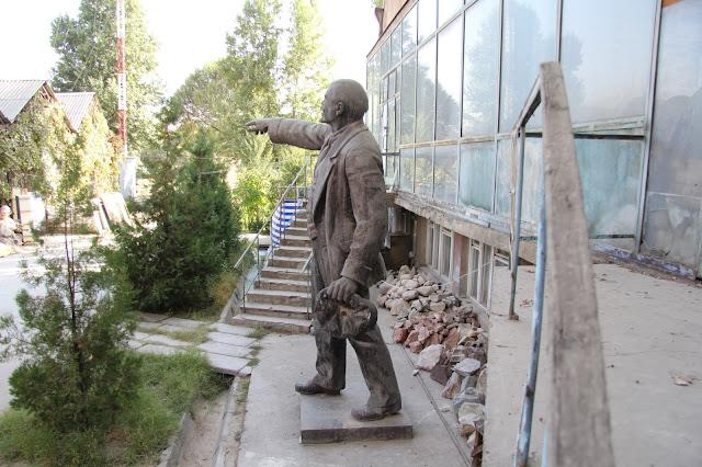 Tadjikistan, Dushanbe, Maison des Peintres, Lénine, © L. Gigout, 2012