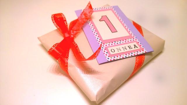 Saippuakuplia olohuoneessa. blogi, kuva Hanna Poikkilehto, lahja, syntymäpäivät