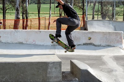 Damien making it look easy at the Valley Center Skate Spot.