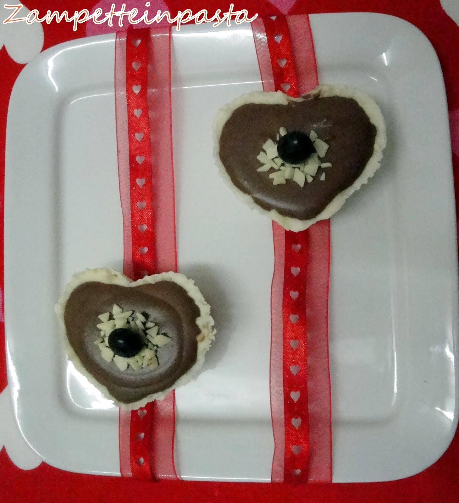 Bicchierini di cioccolato con mousse di cioccolato e peperoncino - Dolci al cucchiaio San Valentino