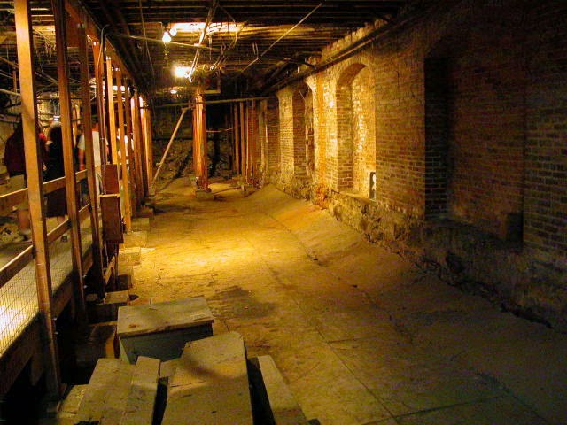 The mysterious Shanghai Tunnels in Portland, Oregon, USA ...