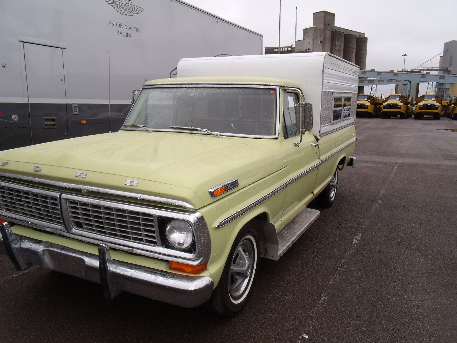 hill shipping www hillshipping com 1970 ford pick up truck from the usa to the uk. Black Bedroom Furniture Sets. Home Design Ideas
