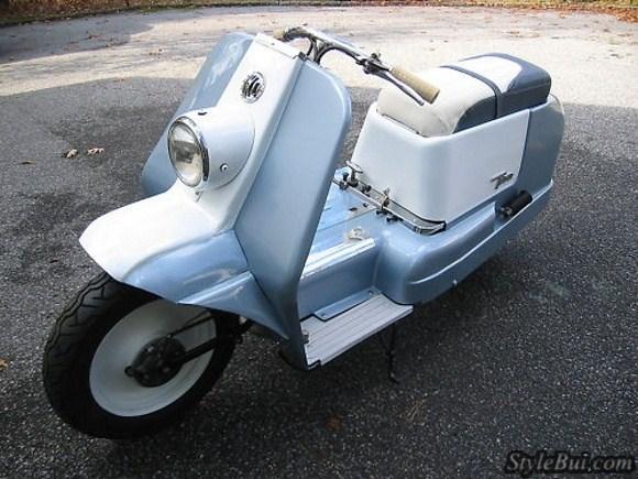 Chiếc Scooter hiếm hoi của Harley Davidson: Topper 165cc