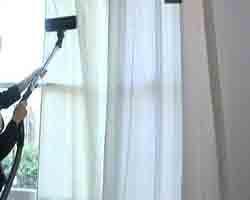 Tips Merawat Dan Membersihkan Gorden Minimalis sama dengan merawat rumah agar tetap indah. Gordyn atau Tirai merupakan dekorasi yang sering kali diabaikan.