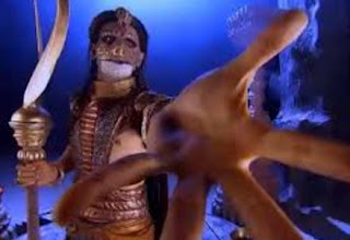 Sinopsis Mahabharata Episode 125 - Dewa Indra Memihak Taksaka