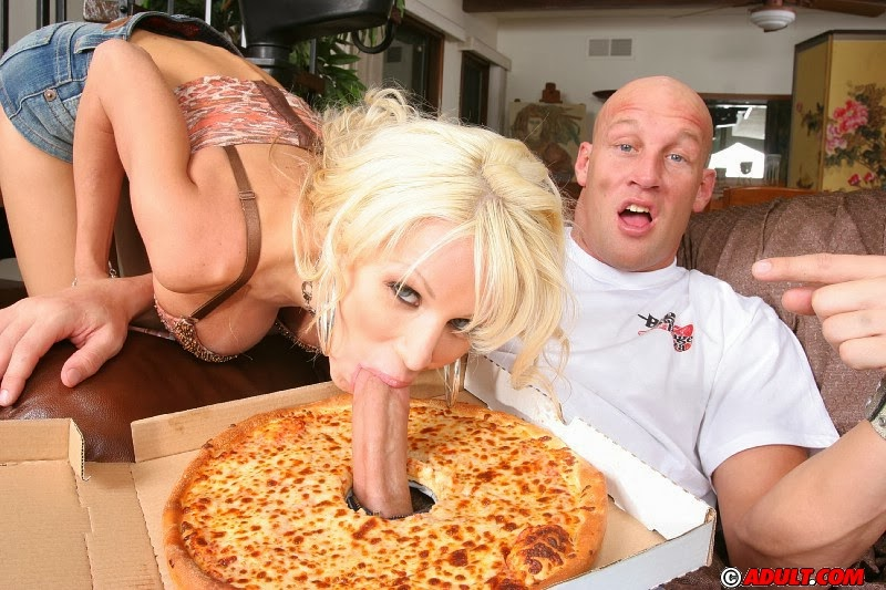 Pizza Delivery Porn 115