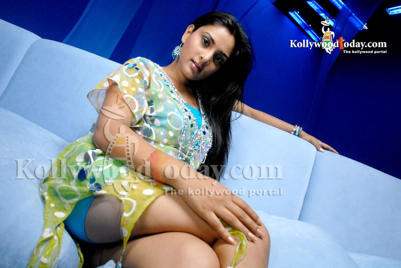 Topless Ramya (born Divya Spandana) naked (29 photos) Erotica, 2018, cleavage
