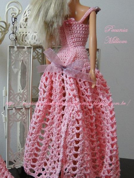 Barbie com Vestido de Festa de Crochê Modelo 2  Criação de Pecunia M. M. 7