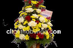 Tips Memilih Tipe Vas yang Cocok Dengan Bunga Anda - Agustina Florist