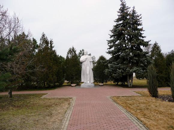 Білгород-Дністровський. Пам'ятник Т. Г. Шевченку
