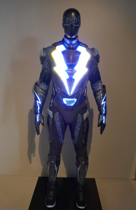 Cress Williams Black Lightning season 1 costume