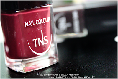 recensione nails red bordeaux polish sweet temptation collection, polish, lipstick, rossetti , smalti unghie by tns cosmetics