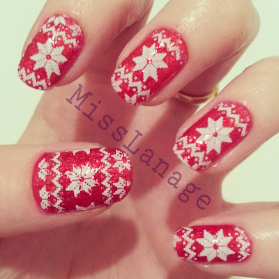 british-blogging-christmas-guest-post-red-christmas-jumper-manicure